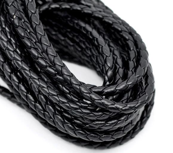 Шнурок кожаный плетеный ф 5,0 мм черный